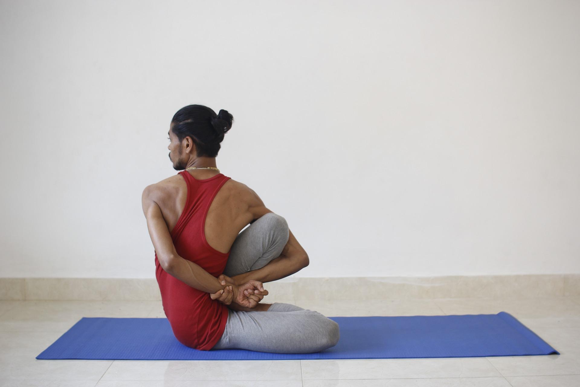yoga torsion